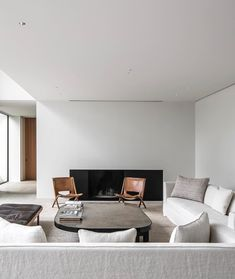 """From """"The Family Home"""", this spacious villa by refers to modernism with its rectangular geometry and cubist forms. Living Room Modern, Living Room Interior, Living Room Decor, Minimalist House Design, Minimalist Home, Interior Inspiration, Room Inspiration, Interior Design Principles, Amanda"""