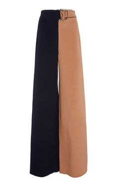 Shop Two-tone Silk Wide-leg Pants. Skinny trousers were once the norm, but wide-leg silhouettes are dominating the market space. Fashion Pants, Girl Fashion, Fashion Outfits, Womens Fashion, Fashion Design, Fashion Trends, Classy Outfits, Chic Outfits, Mode Kpop