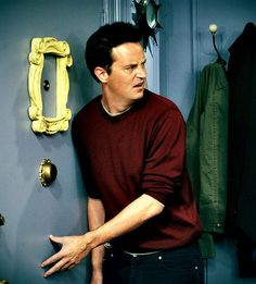 You can´t find more perfect man than Chandler Bing!