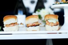 Salmon Sliders with Tangy Avocado Sauce #virtuallacrema