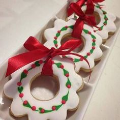 The post 30 Delicious Christmas Cookies Recipes appeared first on Belle Ouellette. Christmas Biscuits, Christmas Sugar Cookies, Christmas Sweets, Christmas Cooking, Noel Christmas, Holiday Cookies, Christmas Recipes, Christmas 2019, Christmas Wreaths