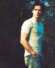 he needs to be my vampire boyfriend