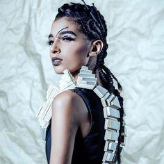 Reposting @mua.erikabarinas: Geometric Fashion 🖤⚫️◼️ @pineboxvs 📷 @ambiorixmartinez 💄 @mua.erikabarinas . . .  #martesdefoteo  #maquillaje #mua #muard #Makeupartist #editorial #softmakeup #muaerikabarinas #rd Makeup by me 🙆🏻💁🏻