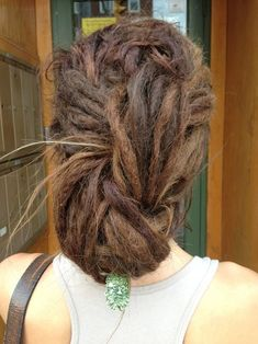 Beautiful dreads - Best New Hair Styles Dreadlock Rasta, Dreadlock Styles, Dreads Styles, Dreadlock Hairstyles, Messy Hairstyles, Dreadlocks Updo, Black Hairstyles, Wedding Hairstyles, Dread Bun