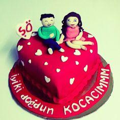 Şenay'dan kocasına doğum günü pastası
