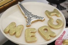 Tour Eiffel Cookie / Torre Eiffel Cookie  Chá de lingerie/ Bridal Shower  Tema: Oh lala Paris by One Day Wedding Planning