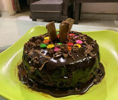 Dairy Milk Chocolate, Homemade Chocolate, Online Cake Delivery, Snap Food, Indian Dessert Recipes, Food Snapchat, Aesthetic Food, Homemade Cakes, Food Cravings