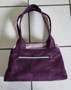 Sac City Zip-Zip en suédine violette et mauve cousu par Valérie - Patron Sacôtin
