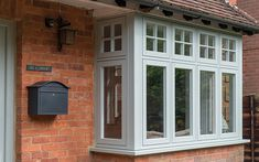 Look at this interesting windows trim - what an inspired project Porch Windows, House Windows, Bay Windows, Upvc Windows, Porch Extension, House Extension Design, Style At Home, 1930s House Exterior Uk, Grey Window Frames