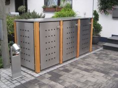 3er Mülltonnenbox Edelstahl Lärchepfosten Flachdach