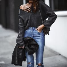 loving this lace-up