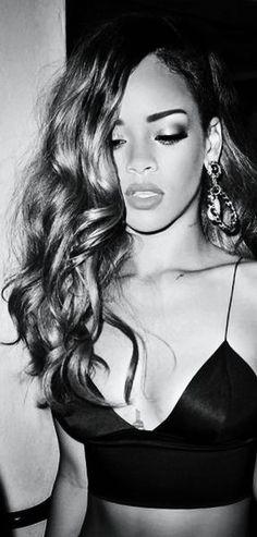 Rihanna Style Virgin human hair & Closures from: $29/bundle www.sinavirginhair.com   sinavirginhair@gmail.com  Skype:Jaimezeng  WhatsApp:+8613055799495