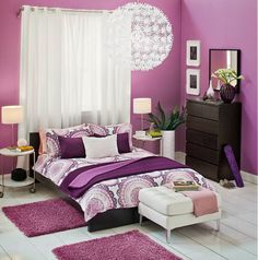 This is very like my Ikea bedroom :-) Mine is a bit more beiged-down/Hollywood but I love, love, love this :-)