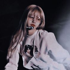 Find images and videos about kpop, rose and blackpink on We Heart It - the app to get lost in what you love. Jennie Blackpink, Blackpink Lisa, Kpop Aesthetic, Aesthetic Girl, Kpop Tumblr, Pele Natural, Lisa Blackpink Wallpaper, Homo, Blackpink Photos