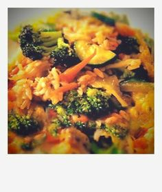 Carrie Underwood has said that one of her favorite meals is vegetarian stir fry. This recipe looks yummy to us!
