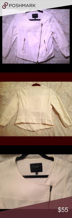 Sanctuary short dressy jacket Sanctuary white zip up jacket, gorgeous don't want to get rid of this one! Kept in great shape only wore a few times and dry cleaned Sanctuary Jackets & Coats Blazers