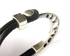 Mens leather bracelet, Womens leather bracelet, Mens metal bracelet, Leather bracelet, Metal Half Bracelet, Trendy Bracelet