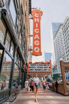 How You Can Make Your Travel Plans With The Least Amount Of Effort – Your Travel Direct - Chicago Travel Guide Chicago Vacation, Chicago Travel, Chicago Trip, Chicago Illinois, Food In Chicago, Theater Chicago, Chicago Skyline, Chicago Photography, Travel Photography