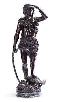 Bogenschütze mit erlegtem Vogel. Bronze, auf rundem Steinsockel. H 110 cm — Möbel und Einrichtung