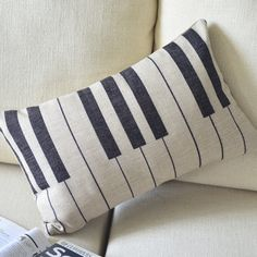 The lumbar pillow Piano cotton sofa cushion pillow cover Music Studio Decor, Music Decor, Cheap Cushion Covers, Pillow Covers, Diy Cushion, Cushion Pillow, Lumbar Pillow, Key Diy, Piano Art