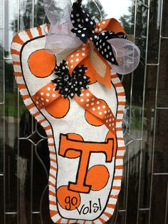 Tennessee Vols burlap door hanger the only girly thing i could ever put on my door at home and get away with it