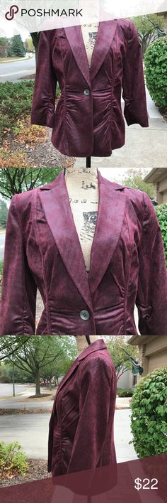 "Rafaella Burgundy Blazer VGUC. 3/4 length sleeve Burgundy Blazer wth a hint of Metallic to it. Flattering ruched waist. Armpit to armpit approximately 18 1/2"" laying flat. Shoulder to hem approximately 24"". Sleeve approximately 18"". Waist approximately 17 1/2"" laying flat. Dry clean only. All photos taken in natural light. Photos may not be used without permission. 💰Reasonable offers welcome. Rafaella Jackets & Coats Blazers"