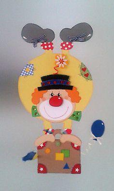 Fensterbild Clown auf Koffer - Fasching- Karneval-Dekoration - Tonkarton!
