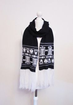 Wrap up in your favourite Dr Who characters, scarf knitted by @gracicook available here: https://www.etsy.com/uk/shop/GraceCookKnitwear?section_id=16887807&ref=shopsection_leftnav_9 …