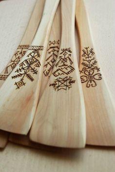 Wooden spatula with burned ornaments by Regina Borovska http://www.etsy.com/shop/FirePaintings