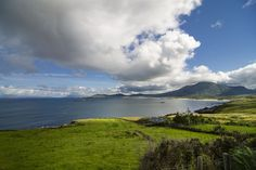 The Emerald Isle certainly captures the imagination with its cheerful charm and impressive landscapes. Emerald Isle, Ireland, Europe, Mountains, Landscape, Nature, Travel, Naturaleza, Viajes
