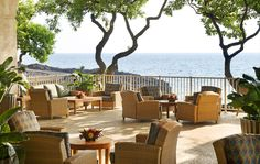 Curl up with a cup of authentic Kona coffee and watch the magnificent sunrise at Sheraton Keauhou Bay, a luxurious hotel in Kailua Kona, Hawaii.