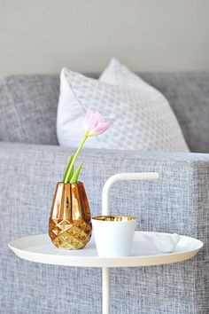 Bloomingville vase and votive Living Room Update, Simple Living Room, Interior Styling, Interior Decorating, Hay Design, Touch Of Gold, Small Furniture, Scandinavian Interior, White Decor