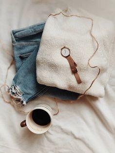 Fotografia produktowa - Aranżowane zdjęcia produktowe   Voska Studio --- Flatlay / jeans / product phtography / outfit of the day