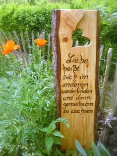"""Ein sehr schönes Geschenk..""""Zitat""""...passend zur Hochzeit...Hölzerne Hochzeit...oder zur Verlobung. Den Spruch habe ich sehr tief ins Holz eingebrannt Dieses rustikale Holzschild hat eine..."""