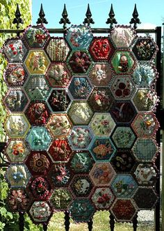 Gypsy Quilt: BeeQuilt
