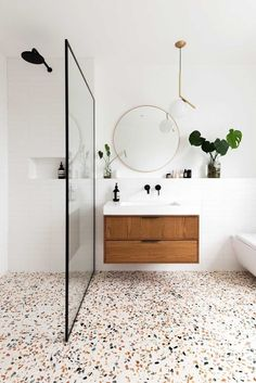 Decor of the day: modern bathroom with granite flooring - inspiration for a .- Decor of the day: modern bathroom with granilite flooring – inspiration for a modern bathroom style – Granite Flooring, Terrazzo Flooring, Wood Flooring, Wet Room Flooring, Modern Bathroom Decor, Bathroom Interior Design, Minimal Bathroom, Navy Bathroom, Bathroom Wall