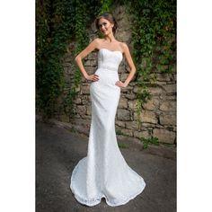 Luxusné úzke čipkové svadobné šaty s opaskom