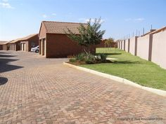 2 Bedroom Simplex to rent in Mooikloof Ridge | RR1274804 | Private Property