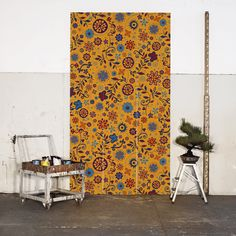MARACATU é explosão de cor, riqueza e brilho. Seus elementos, inspirados nos ornamentos bordados das golas dos caboclos de lança do Maracatu Rural (manifestação cultural do carnaval pernambucano), são compostos como uma dança de movimentos flúidos.