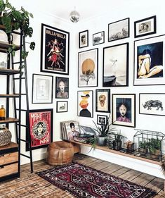 We love how took her gallery wall to the next level with beautiful… We love how took her gallery wall to the next level with beautiful prints in all shapes and sizes! The connected gallery walls create a room full of color, pattern, and energy! Living Room Decor, Bedroom Decor, Wall Decor, Piece A Vivre, Aesthetic Rooms, Home Decor Inspiration, Home And Living, Diy Home Decor, Gallery Wall