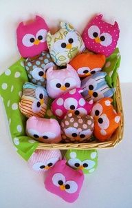 Make these out of fleece and fill with rice = hand warmers, cold pack for boo-boos, or hot compresses.. OWLS! So cute!