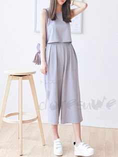15 Korean Fashion Styles To Fall In Love With - Grey culottes outfit. Korean monochromatic look Korean Girl Fashion, Ulzzang Fashion, Korea Fashion, Asian Fashion, Hijab Fashion, Teen Fashion, Fashion Dresses, Womens Fashion, Fashion Styles
