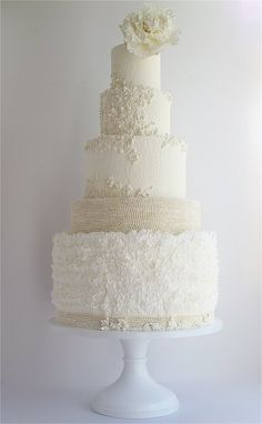 Daily Wedding Cake Inspiration. To see more: http://www.modwedding.com/2014/08/19/daily-wedding-cake-inspiration-8/ #wedding #weddings #wedding_cake Featured Wedding Cake: Maggie Austin Cake