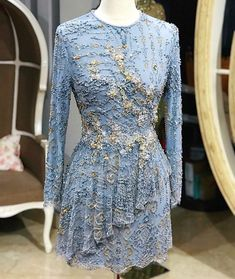 Dress Clothes, Dress Outfits, Fashion Dresses, Women's Fashion, Kebaya Simple, Kebaya Lace, Note Doodles, Formal Dresses, Wedding Dresses