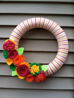 Summer wreath // SO pretty! / FELT!!!