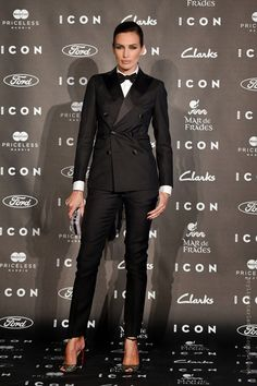 Nieves Alvarez In Dsquared² at the 2014 Icon Magazine Awards Suit Fashion, Fashion Outfits, Womens Fashion, Business Fashion, Business Women, Suits For Women, Clothes For Women, Outfits Damen, Suit And Tie