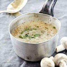 Η συνταγή που όλοι μου ζητάνε! Η πιο εύκολη μανιταρόσουπα που είναι πεντανόστιμη και «φτουράει», ταίζει δηλαδή πολύ κόσμο με ελάχισταχρήματα. Ταιριάζει απίστευτα με ζεστό σκορδόψωμο. Χρόνος προετοιμασίας: 45 λεπτά Βαθμός δυσκολίας:εύκολο Υλικά για 4 άτομα: 500 γρ. μανιτάρια λευκά σε φετάκια 1 ξερό κρεμμύδι ψιλοκομμένο 1 πράσσο σε ροδέλες Greek Recipes, Soup Recipes, Lunch Recipes, Vegan Recipes, Cooking Recipes, Food Network Recipes, Food Processor Recipes, The Kitchen Food Network, Happy Foods