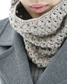 "crochet cowl made with ""Cotton merino"""
