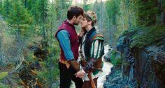 No ocidente, a concepção de amor romântico conceitua como uma sensação mágica, incomparável. Normalmente ele é descrito como um enc...