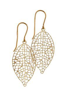 9ct gold leaf earrings from our Fine Jewellery Collection. A beautifully simple earring with delicate lace like leaf. #MoMuse #irishdesign #artisan #dublin #design #gold #jewellery #finejewellery #delicate #leaf #earrings
